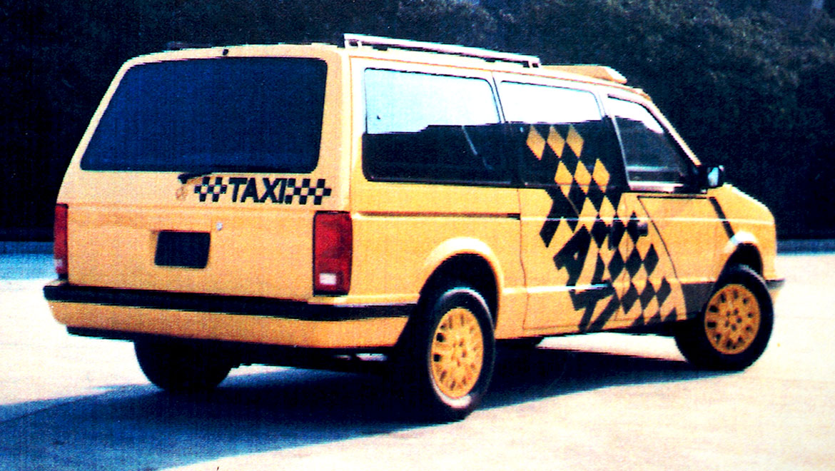 chrysler minivan taxi quaterview
